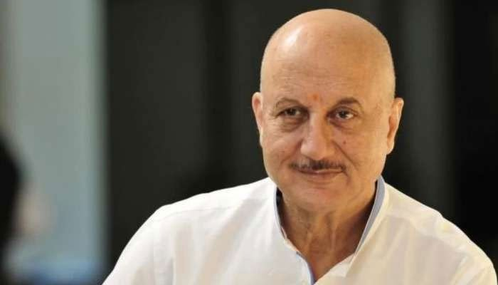 Anupam Kher urges youth not to give up on their dreams