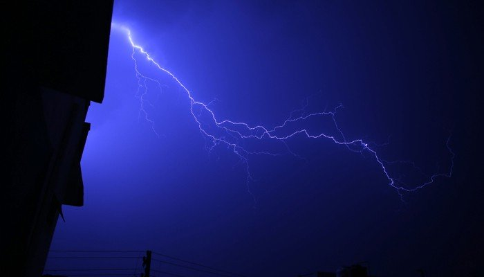 Lightning strikes leave over 100 dead in India