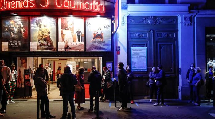 Thousands of French people dance in first big blow out since coronavirus lockdown