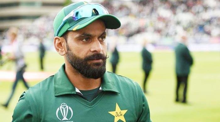 In row with Amir, Hafeez comes out in assist of Misbah, Waqar