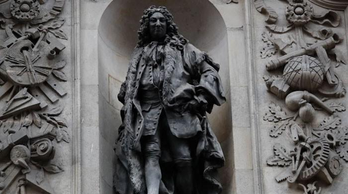 London to take away two statues over hyperlinks to slavery