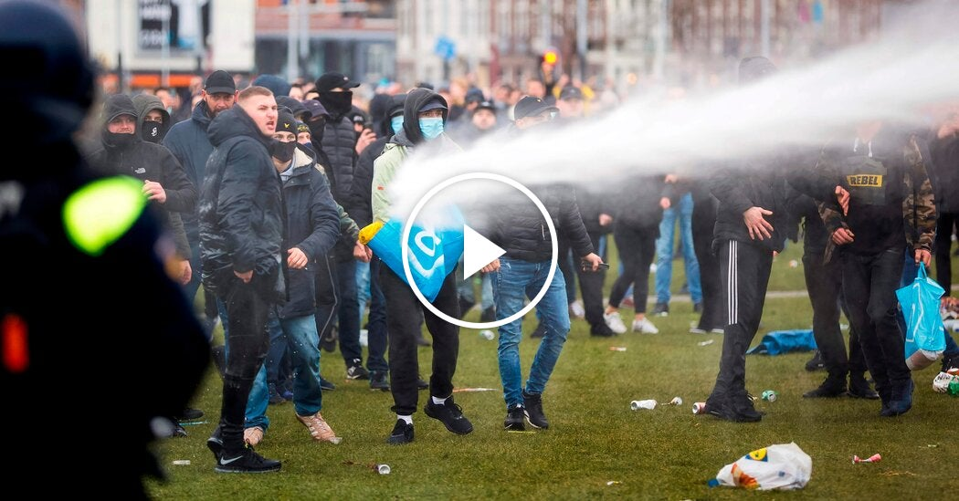 Video: Anti-Lockdown Protesters Clash With Officers in the Netherlands
