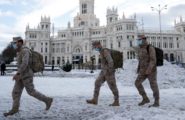 COVID-19: Convoys deployed to dispense coronavirus vaccine and meals in Spain after file snowfall | World News