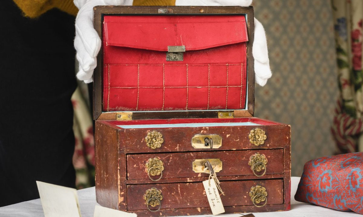 Charles Darwin: 'Treasured' keepsake box owned by naturalist's daughters to go on display
