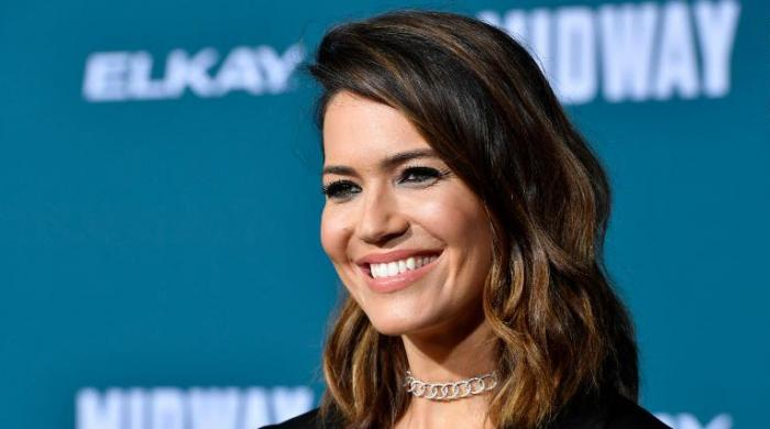 Mandy Moore touches upon giving up experience of home birth