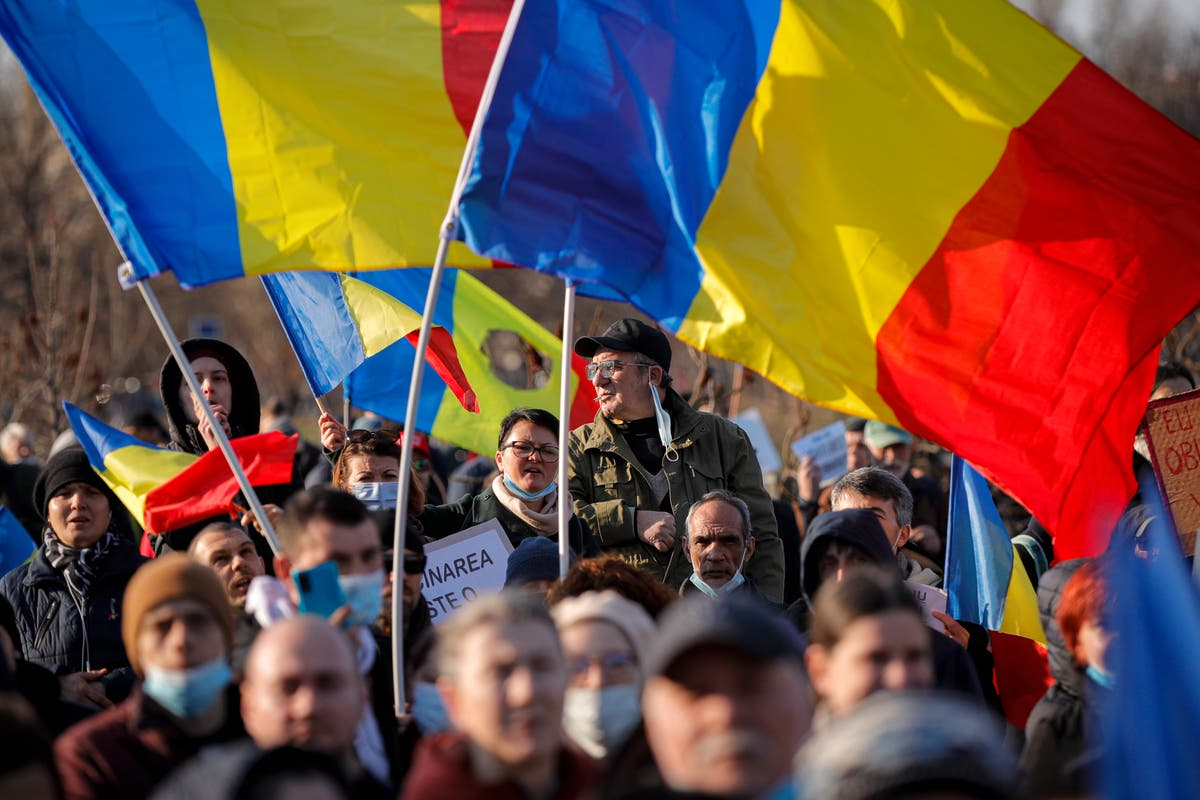 3,000 at Romania anti-vaccination protest amid COVID-19 rise