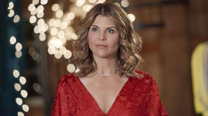 Lori Loughlin appears in public for first time since serving jail time