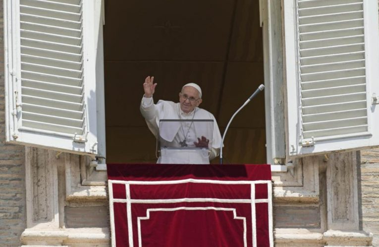 Pope tells people they have to switch off from 'frantic running around'