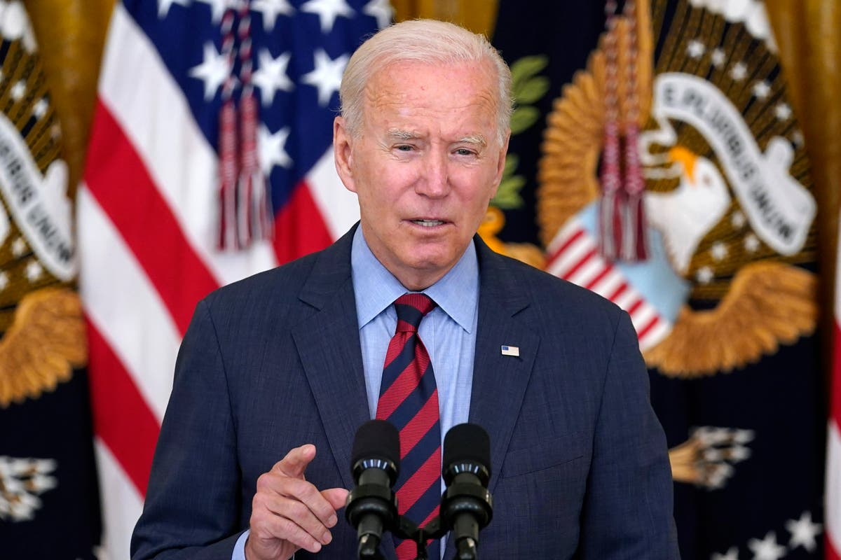 Biden chides Republican governors who resist vaccine rules