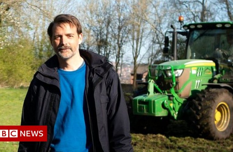 Fashionable farming – the people growing their own clothes
