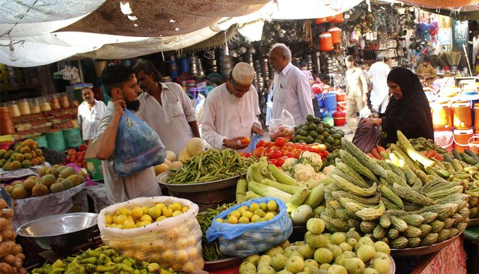 Prices of tomatoes, cooking oil among 29 essential items to witness surge