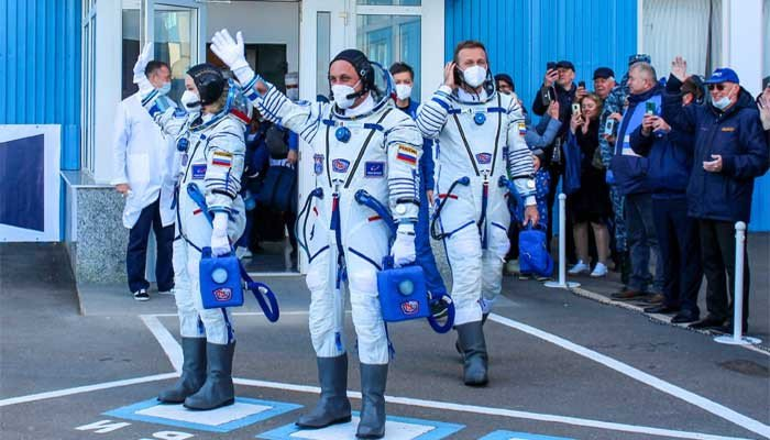 Russian crew back on Earth after filming first movie in space
