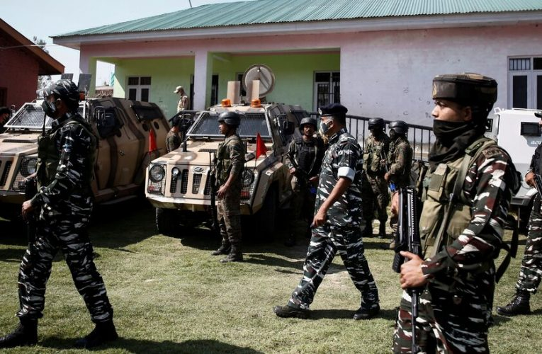 Two Teachers Are Killed in Kashmir, Where Militant Attacks Are Surging